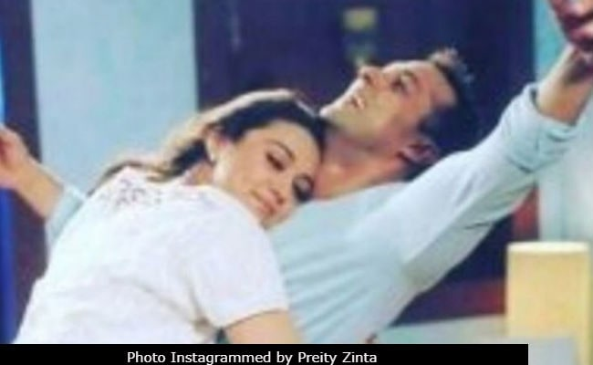Preity Zinta slams Mumbai daily over alleged verbal spat with Virender Sehwag