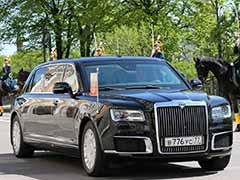 नई लिमोज़िन के साथ दिखे रशिया के राष्ट्रपति व्लादिमिर पुतिन, जानें कितनी खास है कार