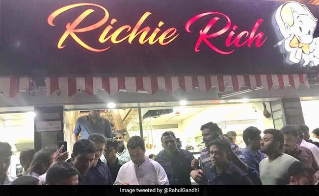 rahul gandhi at richie rich ice cream parlour