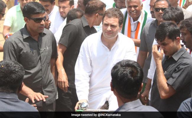कर्नाटक चुनाव : राहुल गांधी ने साइकिल चलाकर तेल की बढ़ती कीमतों का विरोध किया, बैलगाड़ी भी चढ़े