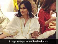 What Sonam Kapoor's Sisters Rhea, Janhvi, Khushi, Shanaya And Anshula Wore At The <i>Mehendi</i>