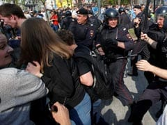At Anti-Putin Protests, Russian Police Detain Over 1,000 People: Rights Monitor