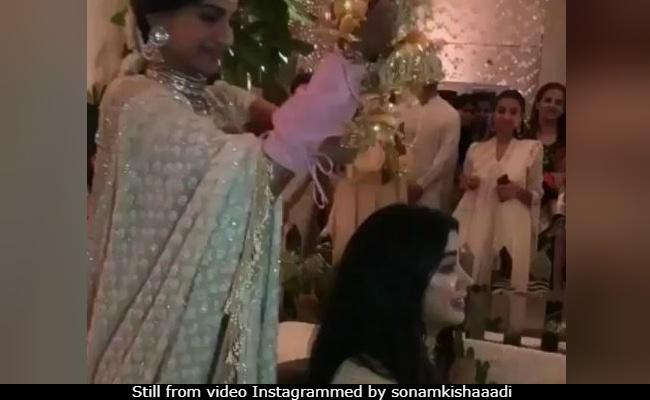 Sonam Kapoor's Mehendi: The Bride Says 'Sorry, Jaanu' To Janhvi After Kaleere Blooper