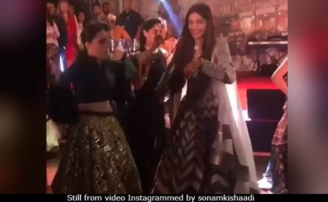 Sonam Kapoor And Anand Ahuja's Reception: Hard To Beat Ladkiwalon Ka Performances