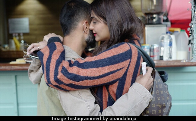Anand Ahuja's Post For Sonam Kapoor Reviewed By Janhvi: 'Too Cute, Can't Breathe'