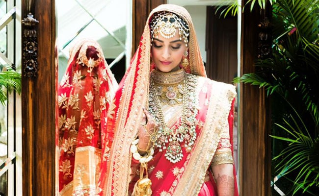 First Pics From Sonam Kapoor And Anand Ahuja's Wedding: See Sonam's Bridal Outfit; Anand Ahuja, Anil Kapoor Are At Wedding Venue