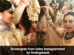 Sonam Kapoor's Wedding: सास के साथ लगाए आनंद आहूजा ने ठुमके, मां के साथ बेटी भी थिरकीं