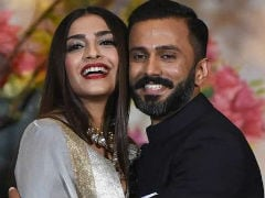 Sonam Kapoor, Anand Ahuja Share Thank You Notes For Anil, Sunita, Harshvardhan And Rhea Kapoor For Making The Wedding 'Special'