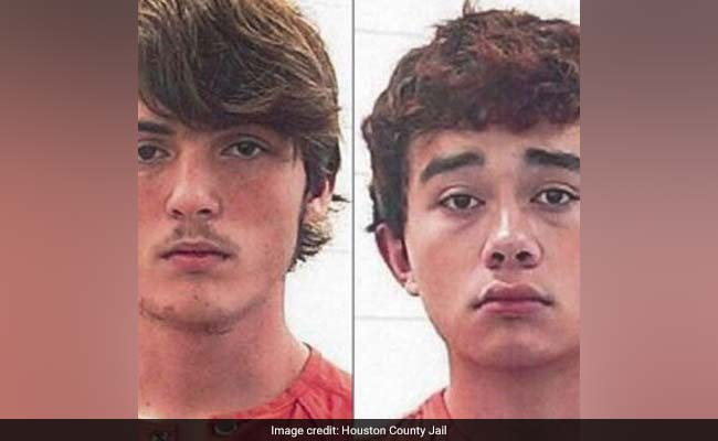 2 Teens Made A Suicide Pact But First Wanted To 'See How It Feels To Kill'