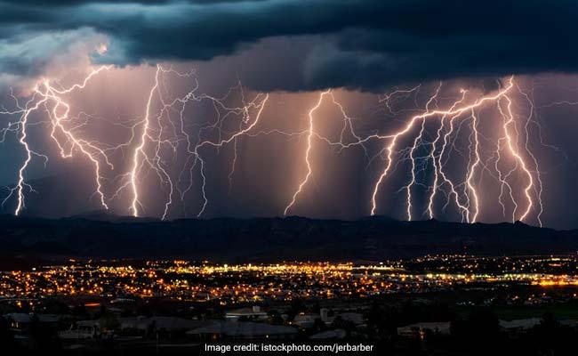 दुनिया के 5 सबसे खतरनाक तूफान, जिनमें गई थीं लाखों की जान