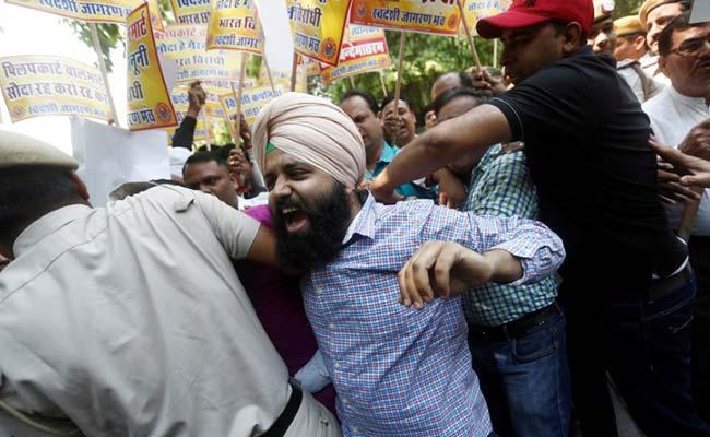 walmart protest swadeshi jagran manch reuters