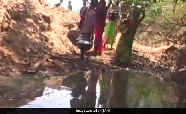 NDTV Ground Report: यमुना से सटे गांवों के लोगों के लिए गंदा पानी पीना मजबूरी