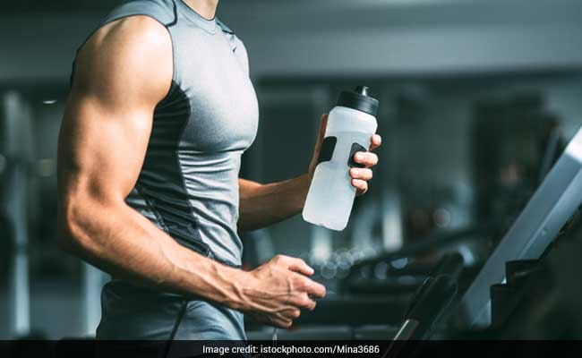 3 Reasons You Shouldn't Forget To Drink Water While Working Out