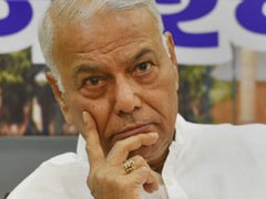 Yashwant Sinha, AAP Leaders Detained For Protest Over Migrants