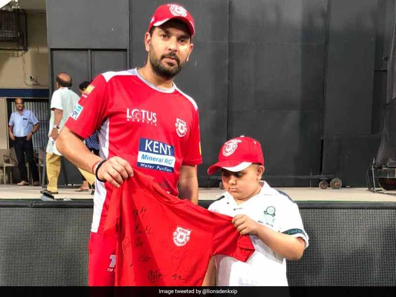 IPL 2018: Yuvraj Singh Meets Young Fan Suffering From Cancer, Twitter Lauds Him