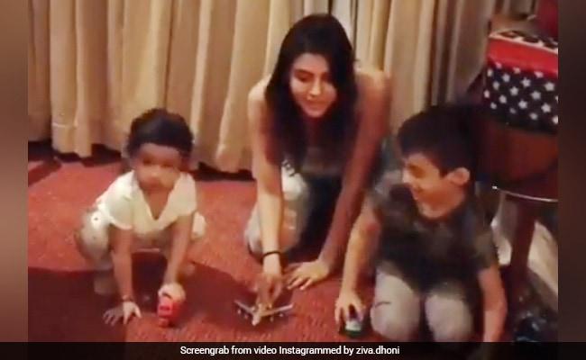 Video: धोनी की बेटी ने लगाई रेस, ऐसे Cheating कर जीता मुकाबला