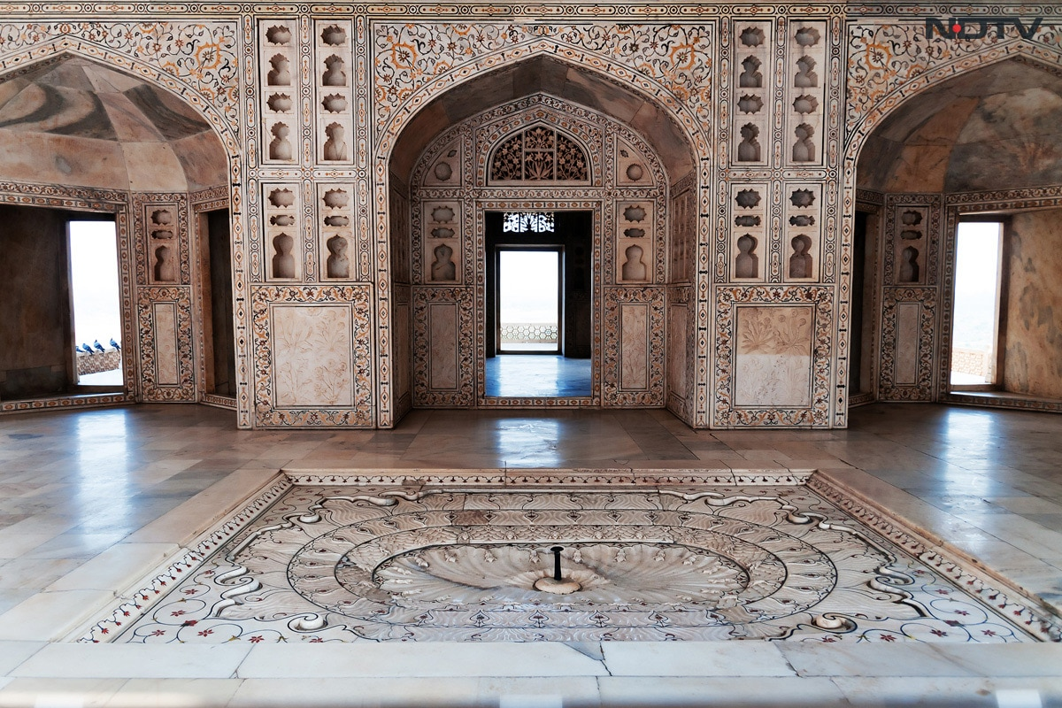 Sights And Sounds of Agra