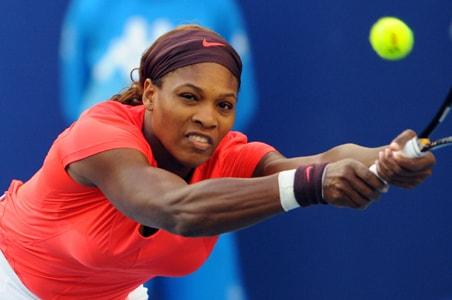 Serena, Safina win in Beijing