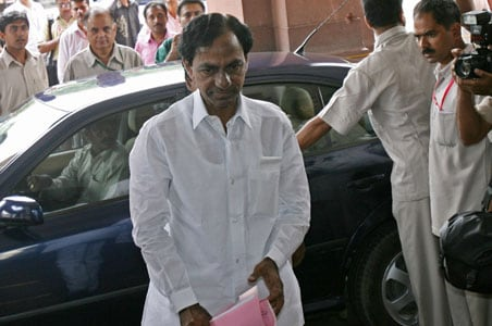 Telangana report: TRS men not to resign, for now