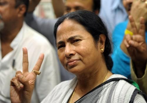 ममता बनर्जी का पीएम मोदी पर हमला- दम हो तो बंगाल से चुनाव लड़ें, हालत नोटबंदी जैसी होगी
