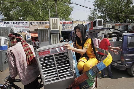 North India boils, Delhi temperature at 52-year high