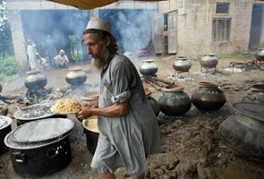 Hard-line Islam fills void in Pakistan's flood response