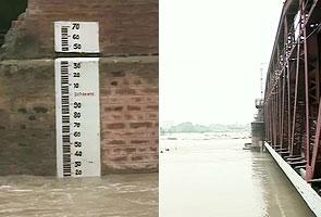 Yamuna flows 2 m above danger mark; flood threat looms over Delhi