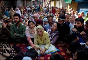 India, seeking Kashmir peace, feels the anger of residents