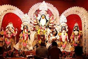 Goddess Durga fights for environment in Kolkata