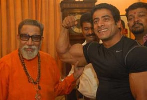 Mumbai champ flexes muscles for Sena chief's blessings