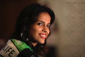 Saina receives Khel Ratna from Gill
