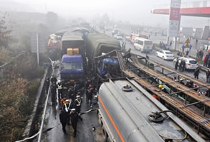 100-vehicle pile-up in China leaves seven dead