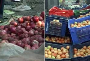 Tomato prices compete with onions'