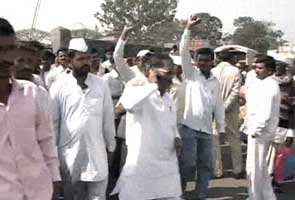 No onion trading at Pune market after farmers' protest