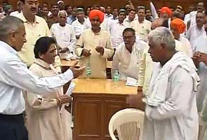 Land row: Mayawati announces new land acquisition policy