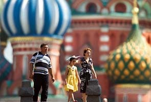 Russia battles high temperatures