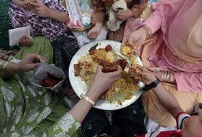 Govt to campaign against food wasted at weddings