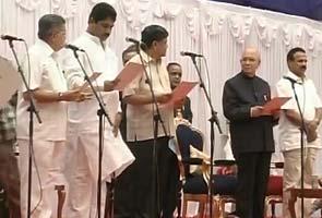 Karnataka gets 21 ministers, no Reddys