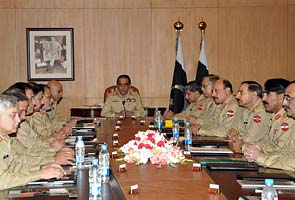 Pak army chief convenes special meeting after US warning on ISI
