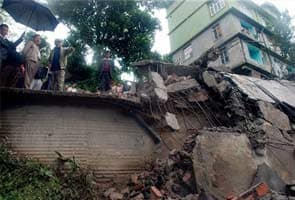 Earthquake toll over 80; India 68; as rescue teams reach quake epicentre