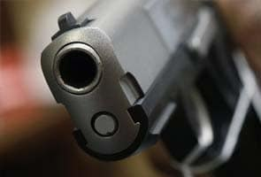 Drunk auto driver injured while playing with friend's pistol
