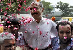 Anti-Modi cop Sanjiv Bhatt walks out of jail