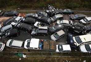 52 Car pile-up on Autobahn kills 3 people