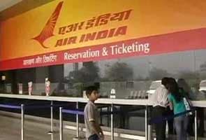 40 Air India pilots call in sick, flights cancelled in Delhi & Mumbai, management says no strike notice