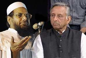 Congress MP Mani Shankar Aiyar confronts Hafiz Saeed on Pak TV show