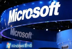 Microsoft slams Google user data policy in new ads