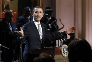 Obama sings 'Sweet Home Chicago' at White House blues show