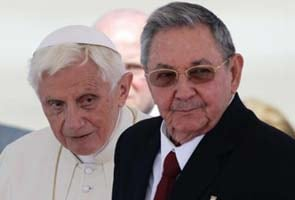 Pope meets Fidel Castro; wants more freedoms for the church