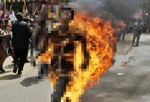 Tibetan activist who immolated himself dies