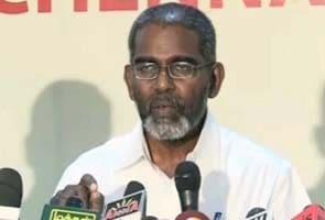Udayakumar told to surrender passport within 15 days